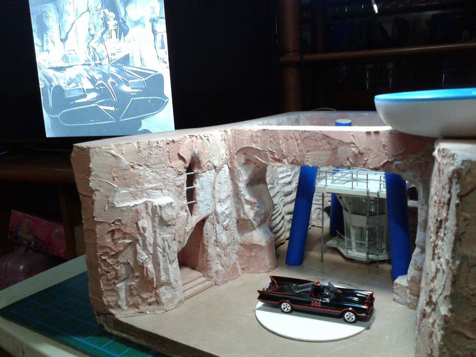 WIP 1:50 1966 TV Series Batman Batcave Small 2