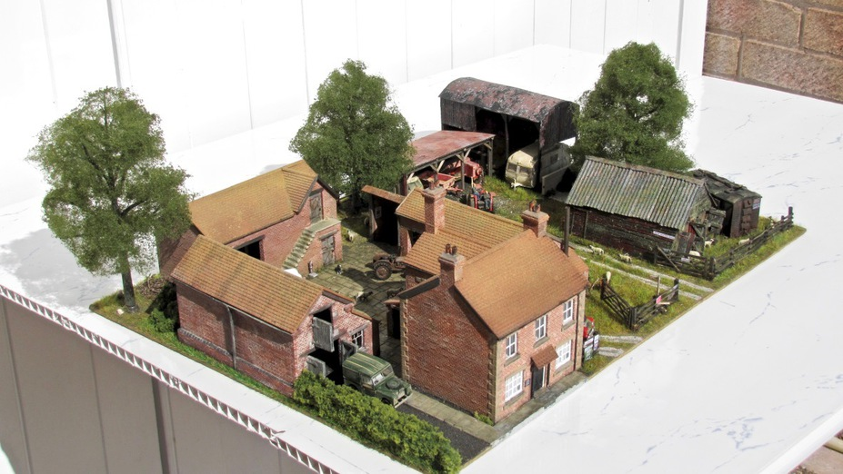 Home Farm B&B  4mm scale. Small 4