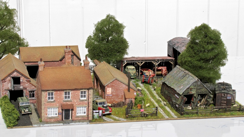 Home Farm B&B  4mm scale. Small 15