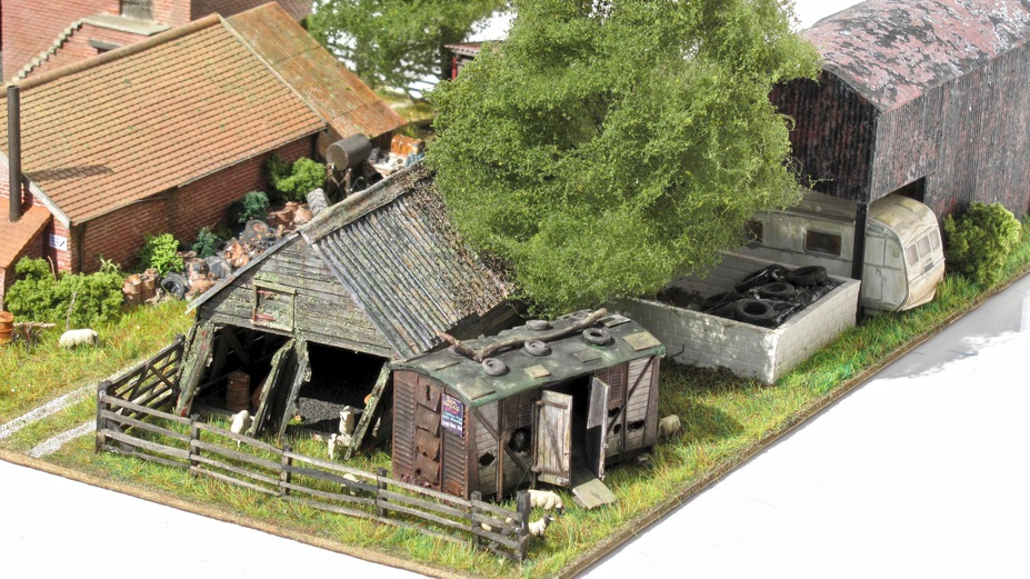 Home Farm B&B  4mm scale. Small 16