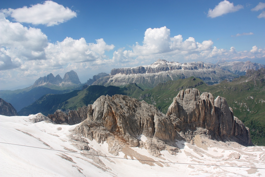distand dolomits mountain